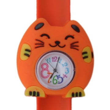 Kat horloge slap on